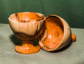 Lidded box with finial in Yew.