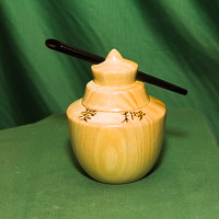 Chinese pot in sycamore